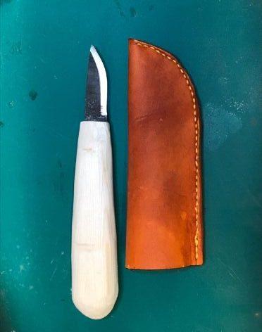 knife and sleeve
